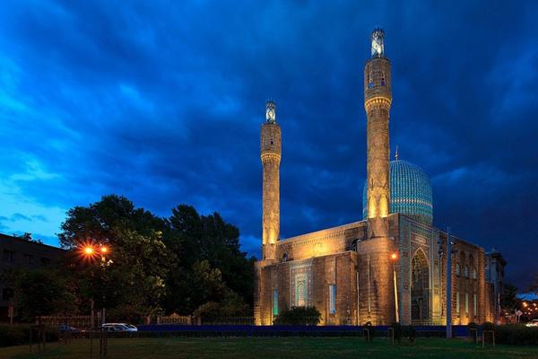 Menengok Megahnya Masjid 'Soekarno' di Rusia