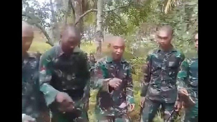 Aksi Anggota TNI yang Jago Ngerap dan Beat Box