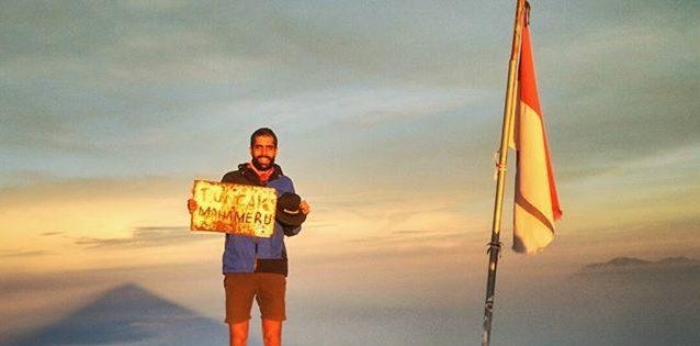 Bule Asal Prancis Ini Sukses Mendaki 21 Gunung di Indonesia dalam Sebulan