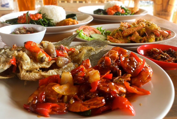 5 Tempat Makan Halal di Bali yang Cocok Buat Buka Puasa