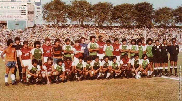 Mengenang Tim Sepak Bola Indonesia Tundukkan Klub Arsenal di Surabaya