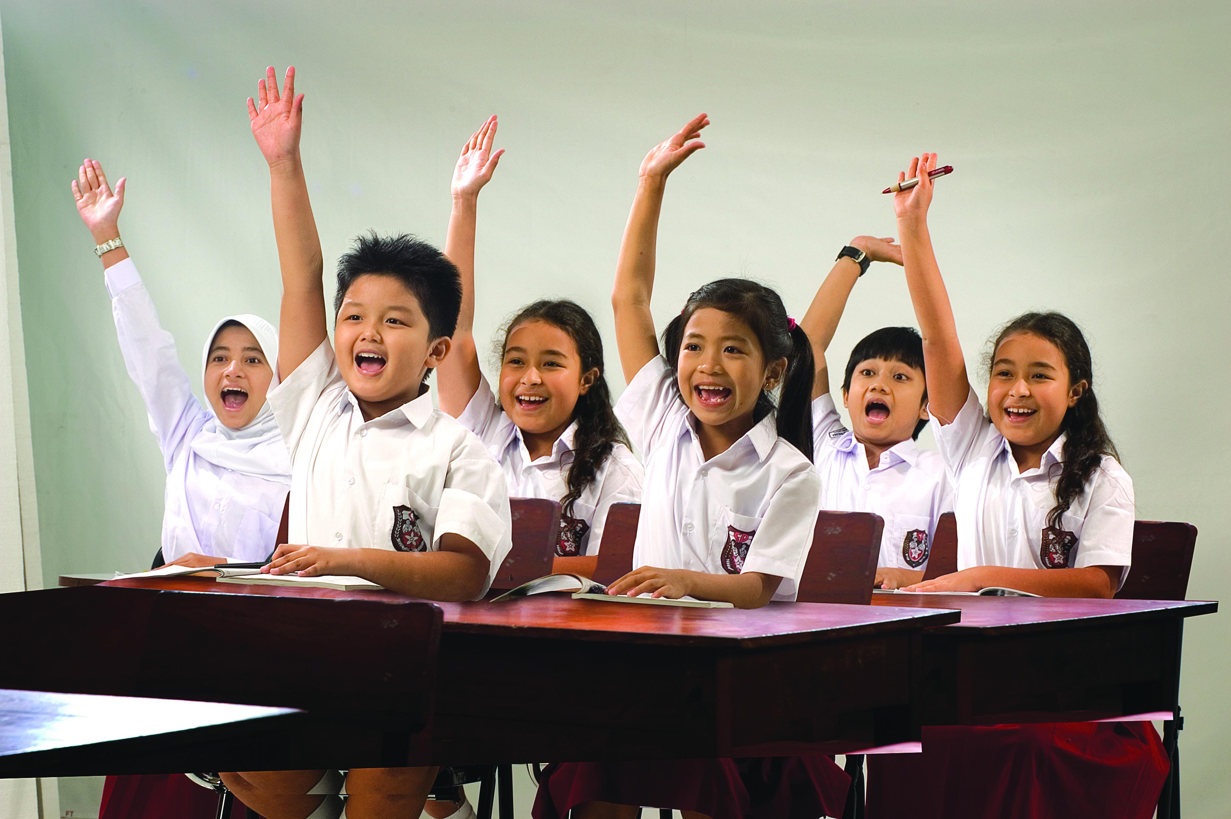 Sekolah Indonesia Akan Libur Hari Sabtu, Bagaimana dengan Negara Lain?