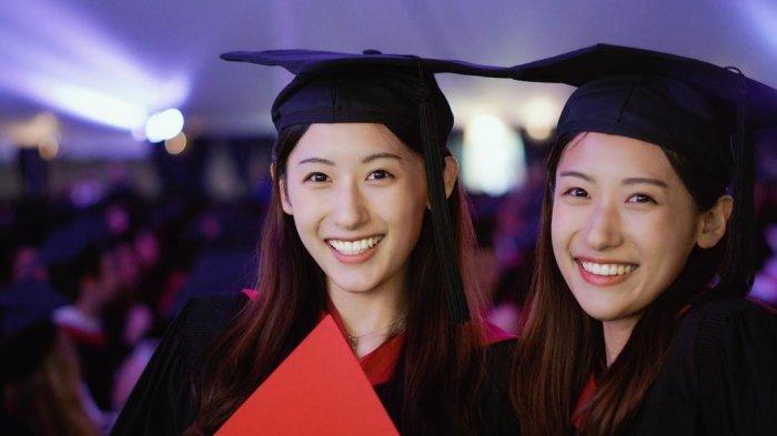 Unik dan Inspiratif, Dua Saudara Kembar Berparas Cantik Ini Lulus di Harvard dalam Waktu 1 Tahun!