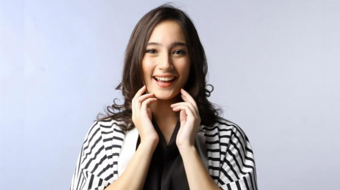 Selain Cantik dan Jago Akting, 5 Aktris Ini Juga Punya Suara Merdu