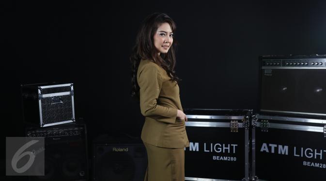 Kenalin Vira Respaty, PNS Cantik yang Jadi Anak Band