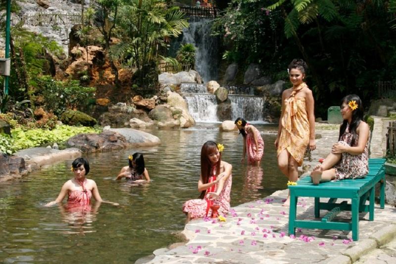 5 Sumber Air Panas Terbaik Indonesia Ini Dijamin Kamu Jadi Betah Main Air