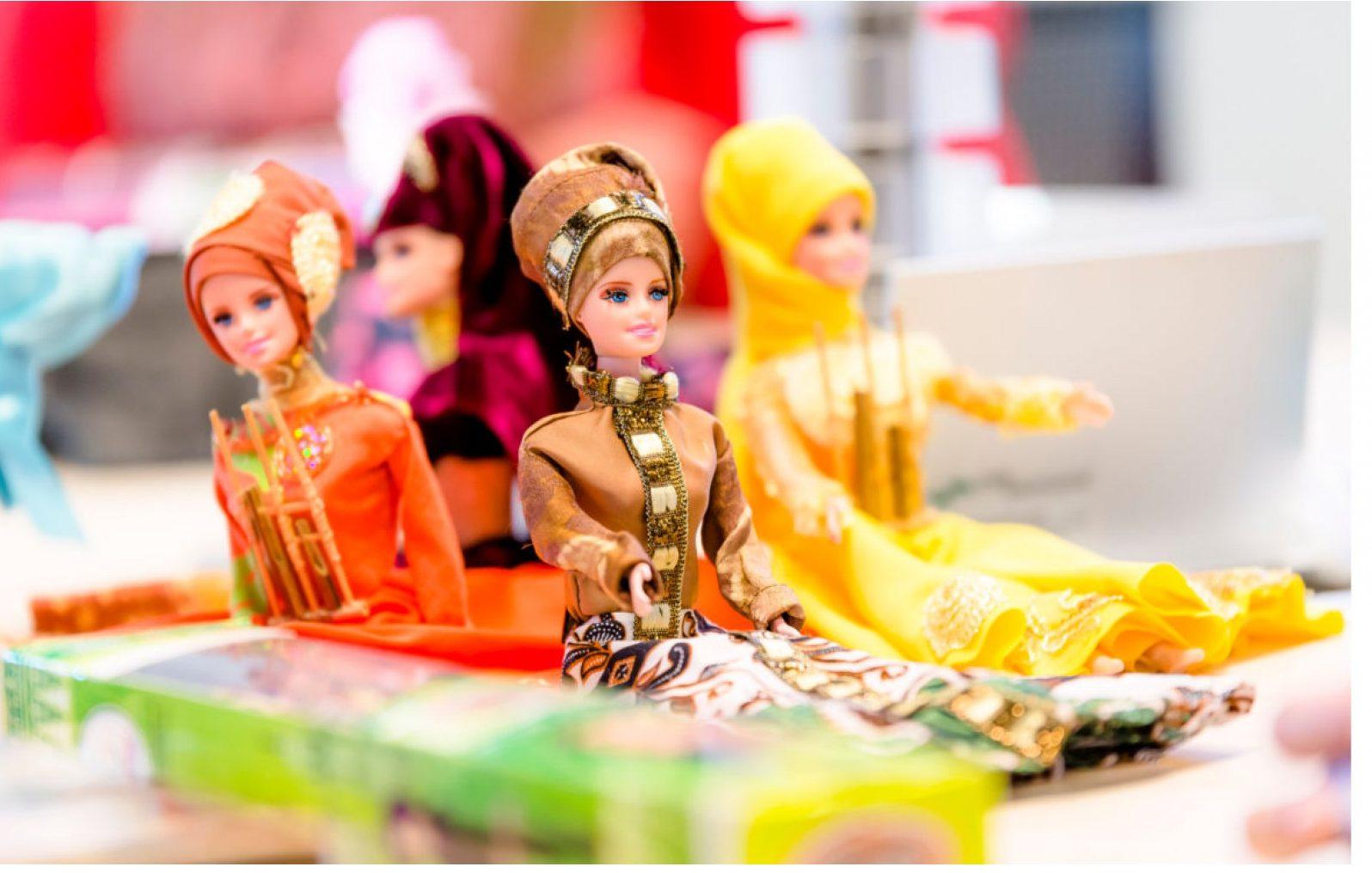 Keren! Ini Batik Girl, Boneka Barbie Berbatik Buatan Para Napi Wanita