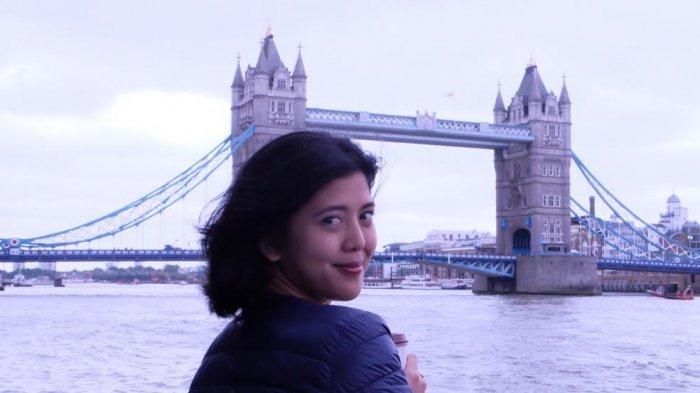 Abellia Anggi Wardani, Dosen Muda Cantik Penerima Puluhan Beasiswa Luar Negeri