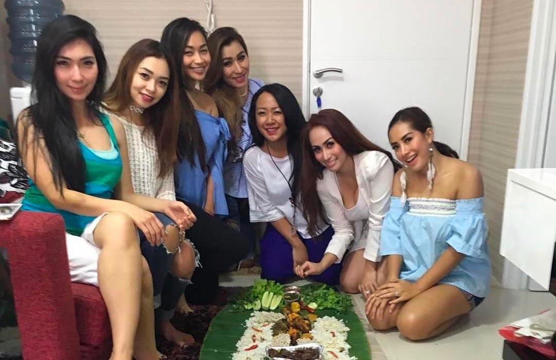 Ngeliwet, Tradisi Makan Ala Masyarakat Sunda yang Sarat Makna