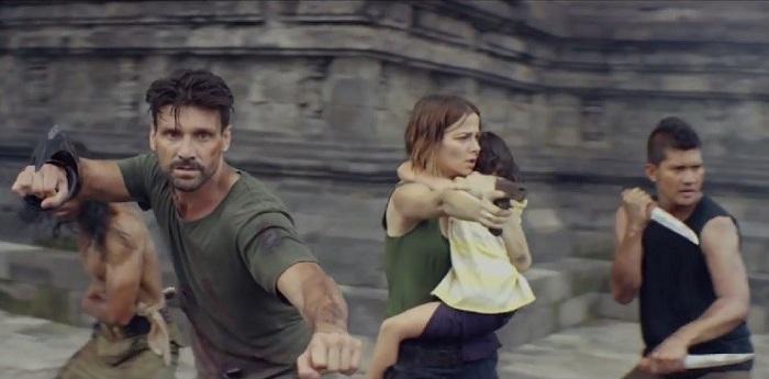 Video Aksi Iko Uwais Basmi Alien di Candi Prambanan