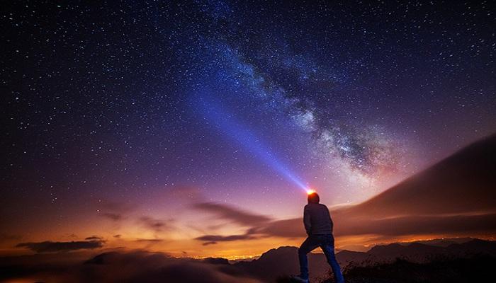 Ini Spot Wisata Terbaik untuk Bisa Menatap Langit Penuh Taburan Bintang