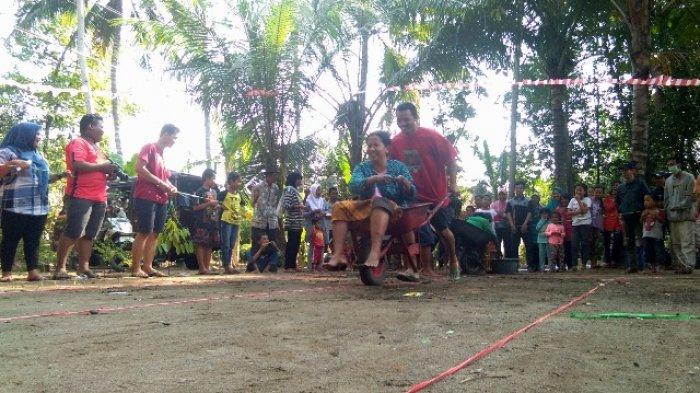 Anti Mainstream, Desa di Kulonprogo Adakan Lomba Balap Angkong untuk Rayakan HUT Indonesia