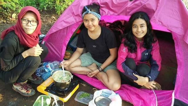 5 Tips Jadikan Campingmu Bersama Teman Lebih Seru dan Berkesan