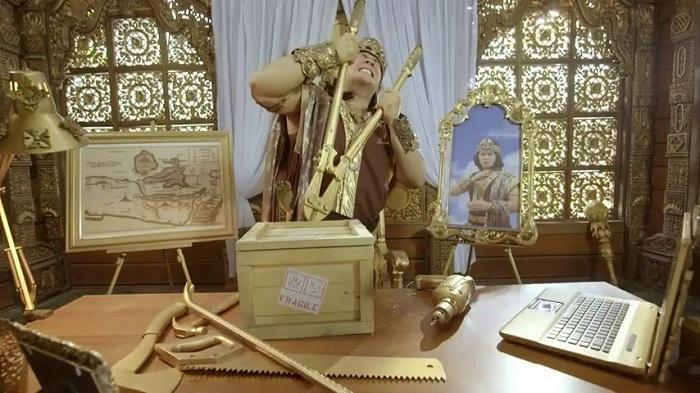 Iklan Es Krim Kolosal Muncul Lagi, Kali Ini Unboxing Cawan Emas