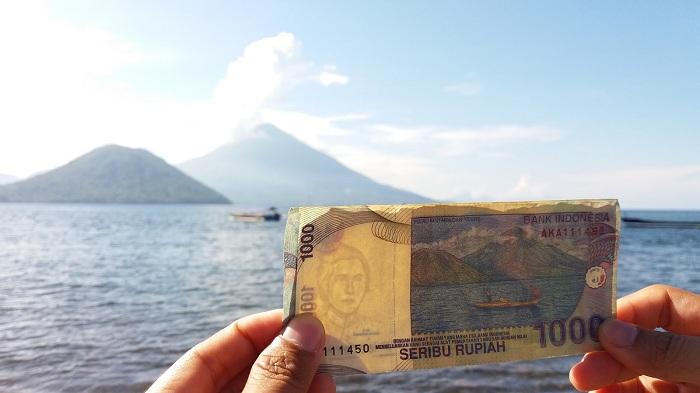 Menikmati Keindahan Maitara, Pulau Cantik di Lembaran Rp 1.000 Lama