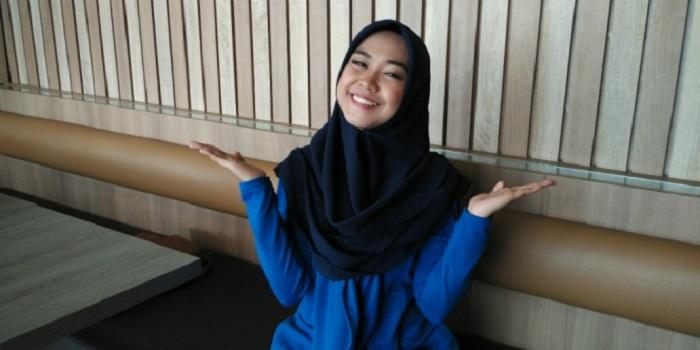 5 Gaya Hijab Ria Ricis yang Simpel dan Stylish