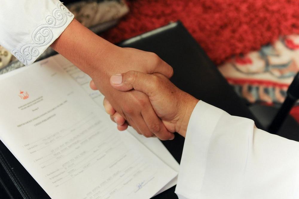 Bukannya Serius, 5 Akad Nikah di Indonesia Ini Malah Blunder Jadi Momen Kocak