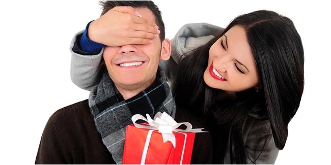 Jangan Cokelat Terus, Ini 5 Kado Valentine Alternatif yang Terbaik untuk si Dia