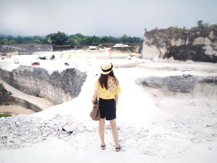 5 Bukit Kapur Eksotis di Indonesia Ini Dijamin Bikin Kece Timeline Instagram Kamu