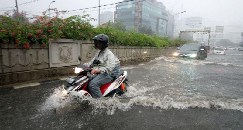 5 Tips Merawat Kendaraan Kamu Saat Musim Hujan Agar Tetap Awet