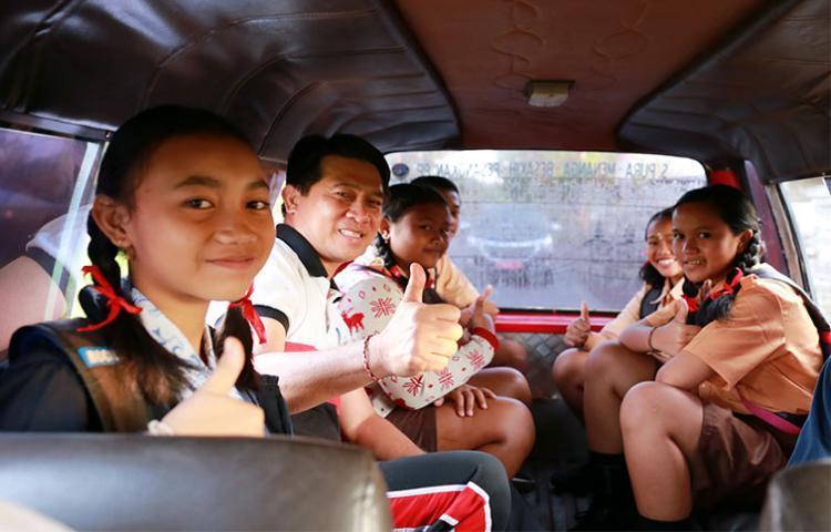 Demi Kurangi Macet, Angkot di Bali Digratiskan untuk Anak Sekolah, Jakarta Kapan?