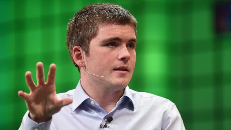 Pemuda Putus Kuliah yang Kini Jadi Miliarder Termuda Sedunia
