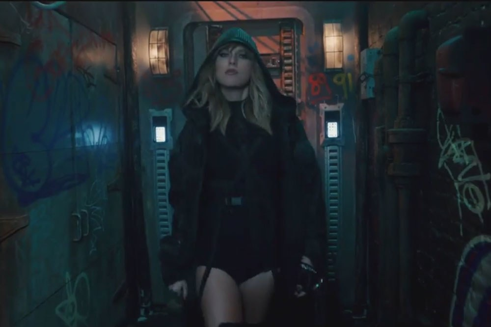 Keren, Taylor Swift Pakai Sarung Tangan Buatan Desainer Indonesia untuk Video Klip Terbarunya