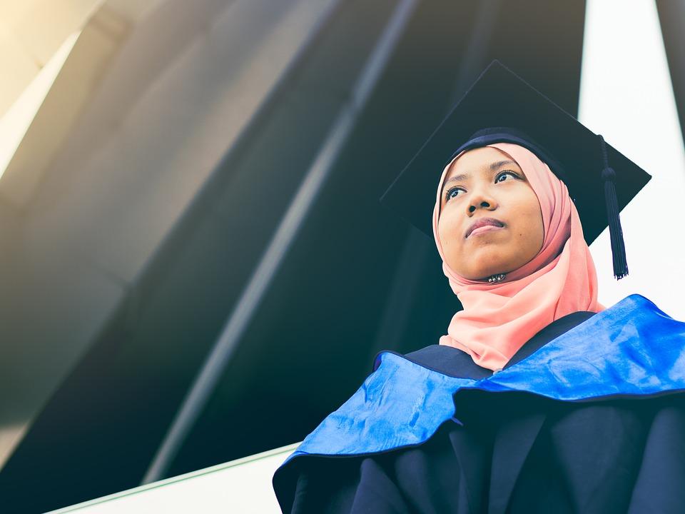 Nggak Harus Langsung Kerja, Kamu Bisa Lakukan 5 Hal Ini Setelah Lulus Kuliah untuk Bekal Masa Depan