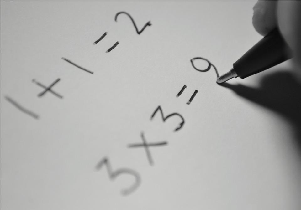Jangan Cuma Buat Main Game, Kamu Juga Bisa Pakai Smartphone untuk Belajar Matematika Lewat 5 Aplikasi Ini