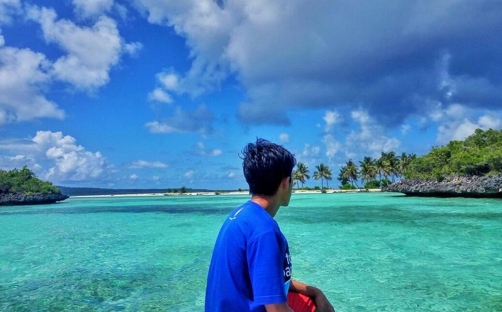 Mengunjungi 5 Pulau Tak Berpenghuni di Indonesia dengan Pemandangan Memukau, Serasa Milik Sendiri!