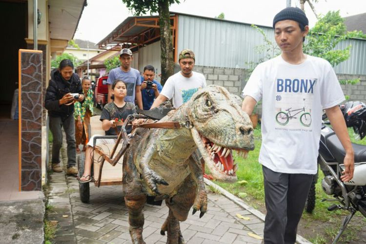 Keren, Pemuda Yogyakarta Ciptakan Robot Replika T-Rex, Mirip Seperti Film Jurassic Park
