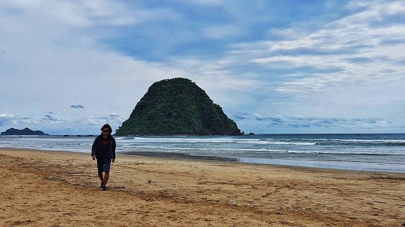Menikmati 5 Pantai eksotis di Jawa Timur yang Seindah Bali
