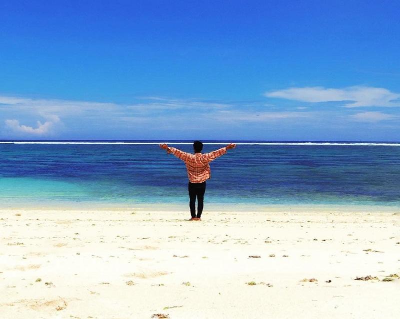 Menikmati Senja di Pantai Ekas Lombok, Nggak Kalah Indah dari Gili Trawangan