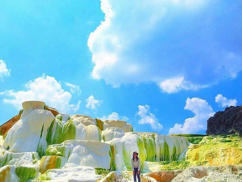 Air Panas Sipoholon Tapanuli Utara, Keindahannya Bagai Pemandian Alami Pamukkale di Turki