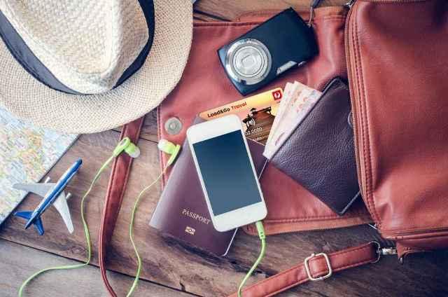 Bawa Uang Tunai vs Kartu ATM, Mana yang Lebih Aman untuk Traveling?