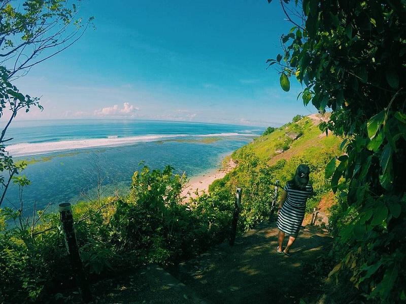 Menikmati Keindahan Bali di Pantai Gunung Payung yang Tersembunyi Namun Eksotik