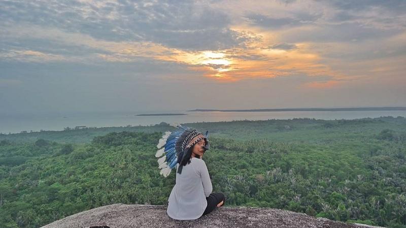 Menikmati Pemandangan Belitung dari Ketinggian di Bukit Batu Baginde