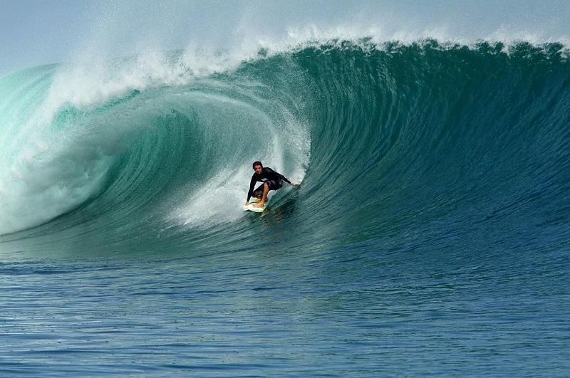 Berselancar di Pantai G-Land Banyuwangi dengan Ombak Terbaik Dunia, Sejajar dengan Hawaii!