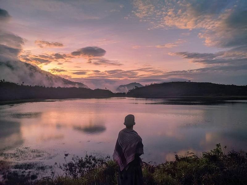 Menanti Keindahan Sunrise di Dringo, Telaga Tercantik Se-Jawa