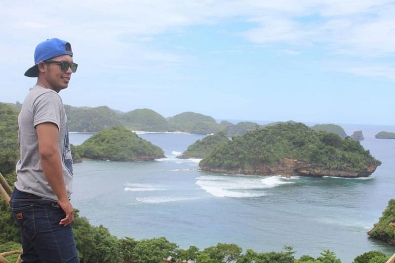 Refreshing ke Pantai Teluk Asmoro, Raja Ampat-nya Malang yang Nggak Kalah Indah