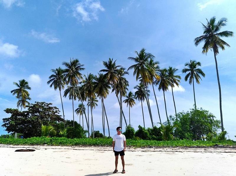 Pulau Manimbora Kaltim, Destinasi yang Mirip Bikini Bottom-nya Spongebob Squarepants