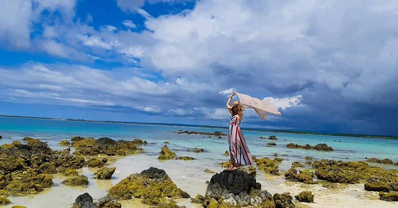 Mirip Laut Mati, Berenang di Pantai Tureloto Nias Ini Kamu Nggak Bakal Tenggelam