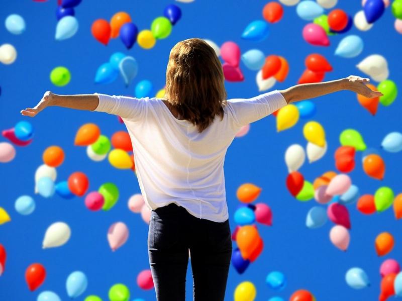 Bukan Benda Mewah, 5 Kebahagiaan Ini Nggak Bisa Dibeli dengan Uang