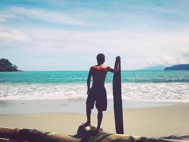 Berkunjung ke 5 Pantai di Papua yang Eksotis dan Menakjubkan