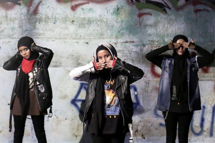 Keren, Band Metal dengan Personel Berhijab Ini Ciptakan Lagu Bertema Pendidikan