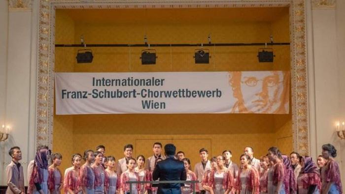 Keren, Bawakan Lagu Tradisional, Paduan Suara Asal Indonesia Ini Juara di Festival Austria